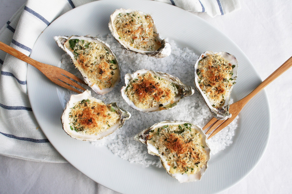 Baked Oysters in the Shell with Cream Sauce and Bread Crumbs (Oysters au  gratin)